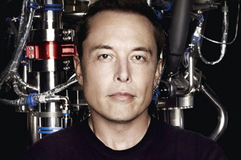 Elon Musk'tan uzayda gizli operasyon