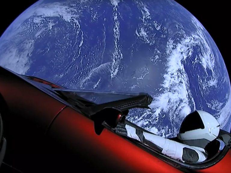 Elon Musk Teslayı neden uzaya gönderdi